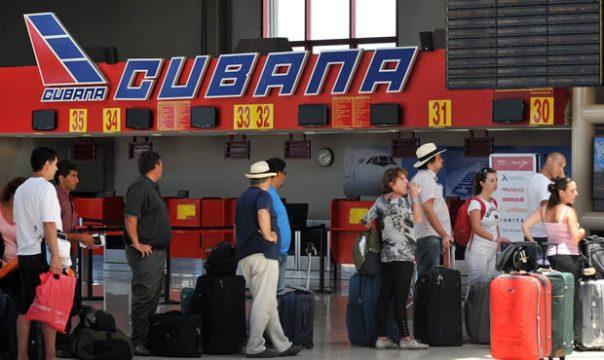 Desde mediados de enero de 2013 los cubanos pueden salir del país sin necesidad de carta blanca, una de las señales más pedidas.