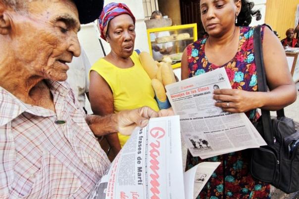 vendedores-de-periodicos-en-santiago-de-cuba