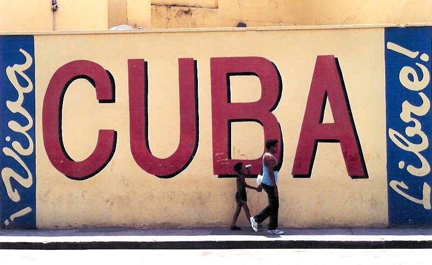 Cuba analizará el desarrollo de su economía Viva_cuba_libre