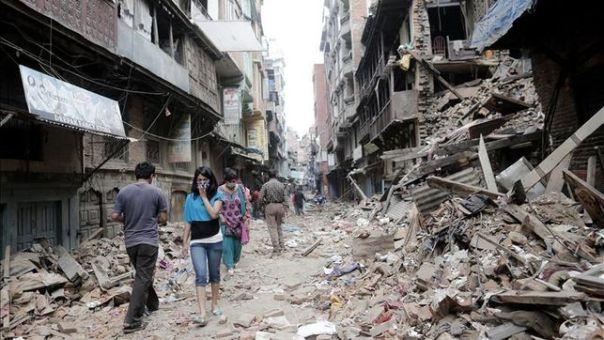 Los muertos en Nepal suman más de 7 mil
